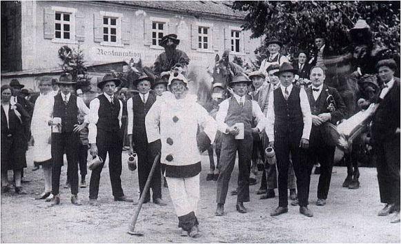 Erste Heimat des Oberndorfes - Gasthaus zum weißen Lamm (Flachenecker)
